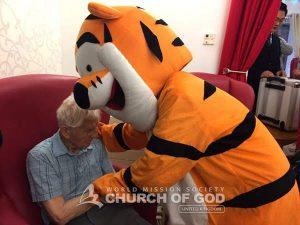UK World Mission Society Church of God members serving Seniors 121223