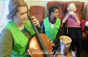 UK World Mission Society Church of God members serving Seniors 121223 - Russely Lodge